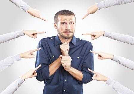 Почему мы виним других в своих проблемах